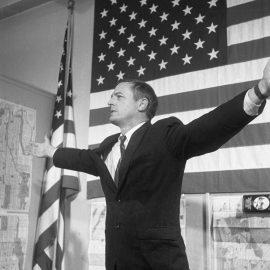 ויליאם באקלי במסיבת עיתונאים, כמועמדה של המפלגה השמרנית לראשות עיריית ניו יורק, 1965 (Bettmann via Getty Images)