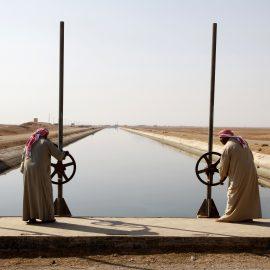 תעלת מים בין נהר הפרת לאזור מזרח סוריה, 2010 (Khaled al-Hariri/Reuters)